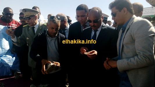 L'homme d'affaires ALI AHMED BEITAT discutant avec le président de la République Mohamed ould Abdel Aziz